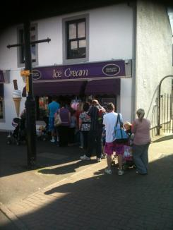 Ice Cream queues